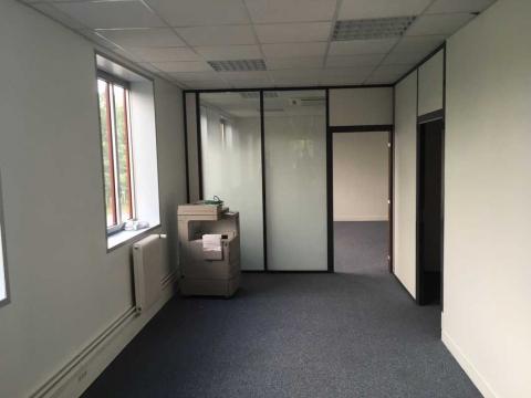 Location Activités et Bureaux VILLEPINTE - Photo 2