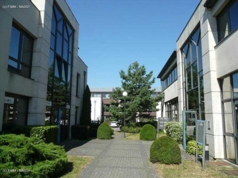 Vente Bureaux VILLEJUST - Photo 2