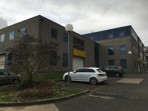 Location Activités et Bureaux RIS-ORANGIS - Photo 2