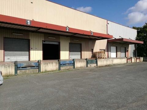 Location Activités et Bureaux CHAMBLY - Photo 1