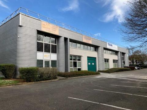 Location Activités et Bureaux TREMBLAY-EN-FRANCE - Photo 1