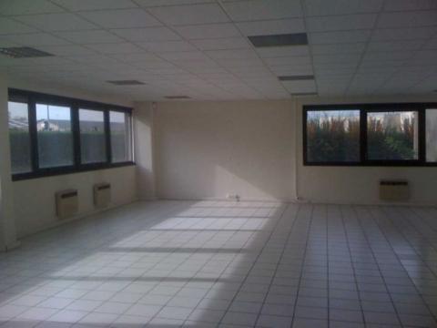 Location Bureaux MONTIGNY-LE-BRETONNEUX - Photo 7