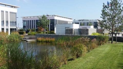Location Activités et Bureaux ELANCOURT - Photo 4