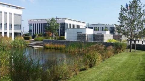 Location Activités et Bureaux ELANCOURT - Photo 1