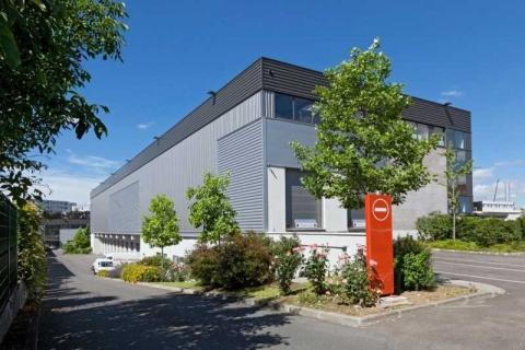 Location Activités et Bureaux SAINT-DENIS - Photo 2