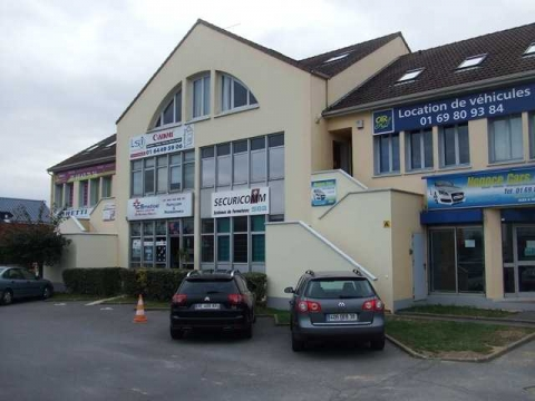 Location Activités et Commerces LA-VILLE-DU-BOIS - Photo 1