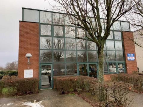 Location Activités et Bureaux EVRY - Photo 2