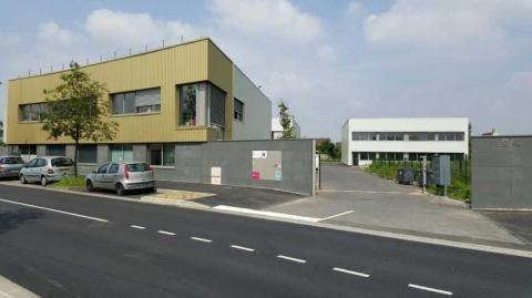 Location Activités et Bureaux GRIGNY - Photo 1