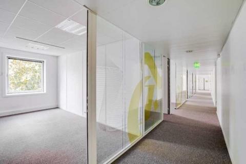 Location Bureaux COURBEVOIE-LA-DEFENSE - Photo 4
