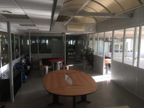 Location Bureaux MONTIGNY-LE-BRETONNEUX - Photo 5