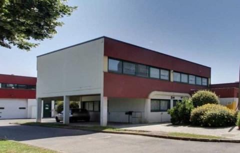 Location Activités et Bureaux EVRY - Photo 1