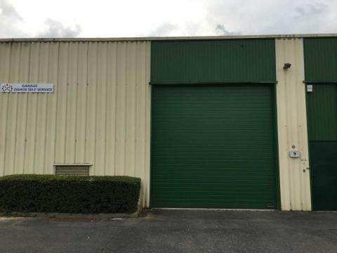 Location Activités et Bureaux SAVIGNY-LE-TEMPLE - Photo 4