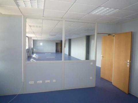 Location Activités et Bureaux VILLENEUVE-SOUS-DAMMARTIN - Photo 5