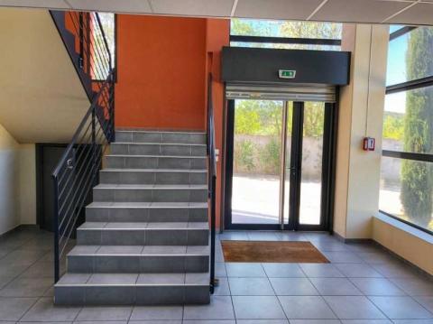 Location Activités et Bureaux MEYREUIL - Photo 3