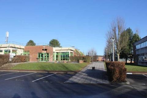 Location Activités et Bureaux BIEVRES - Photo 2