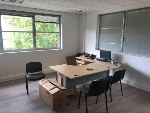 Location Activités et Bureaux ARCUEIL - Photo 4