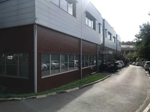 Location Activités et Bureaux ARCUEIL - Photo 1