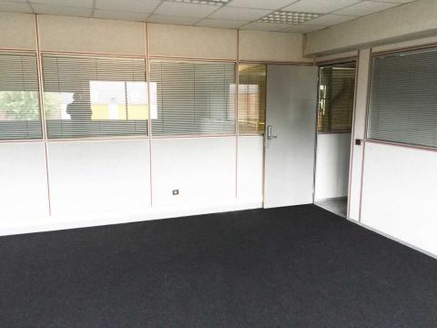 Location Activités et Bureaux LE-BOURGET - Photo 6