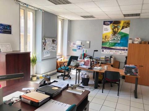 Location Activités et Bureaux MARSEILLE - Photo 4