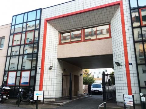 Location Bureaux et Activités NANTERRE - Photo 1