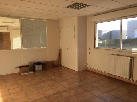 Location Activités et Bureaux ENNERY - Photo 7