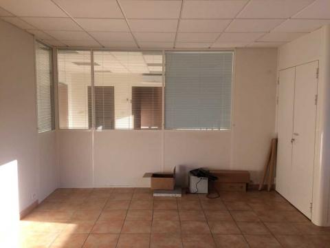 Location Activités et Bureaux ENNERY - Photo 8