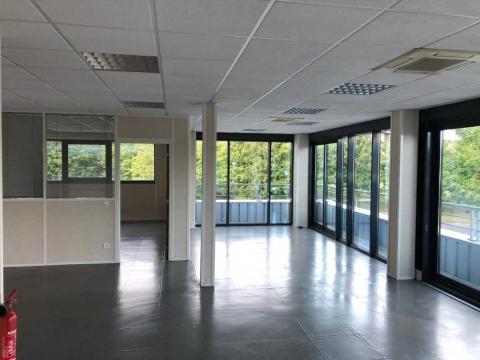 Location Bureaux ROISSY-EN-FRANCE - Photo 1
